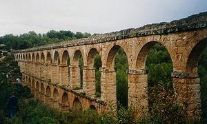 300px-Roman_aqueduct_Tarragona