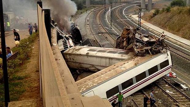 Al+menos+diez+muertos+deja+accidente+de+tren+en+España