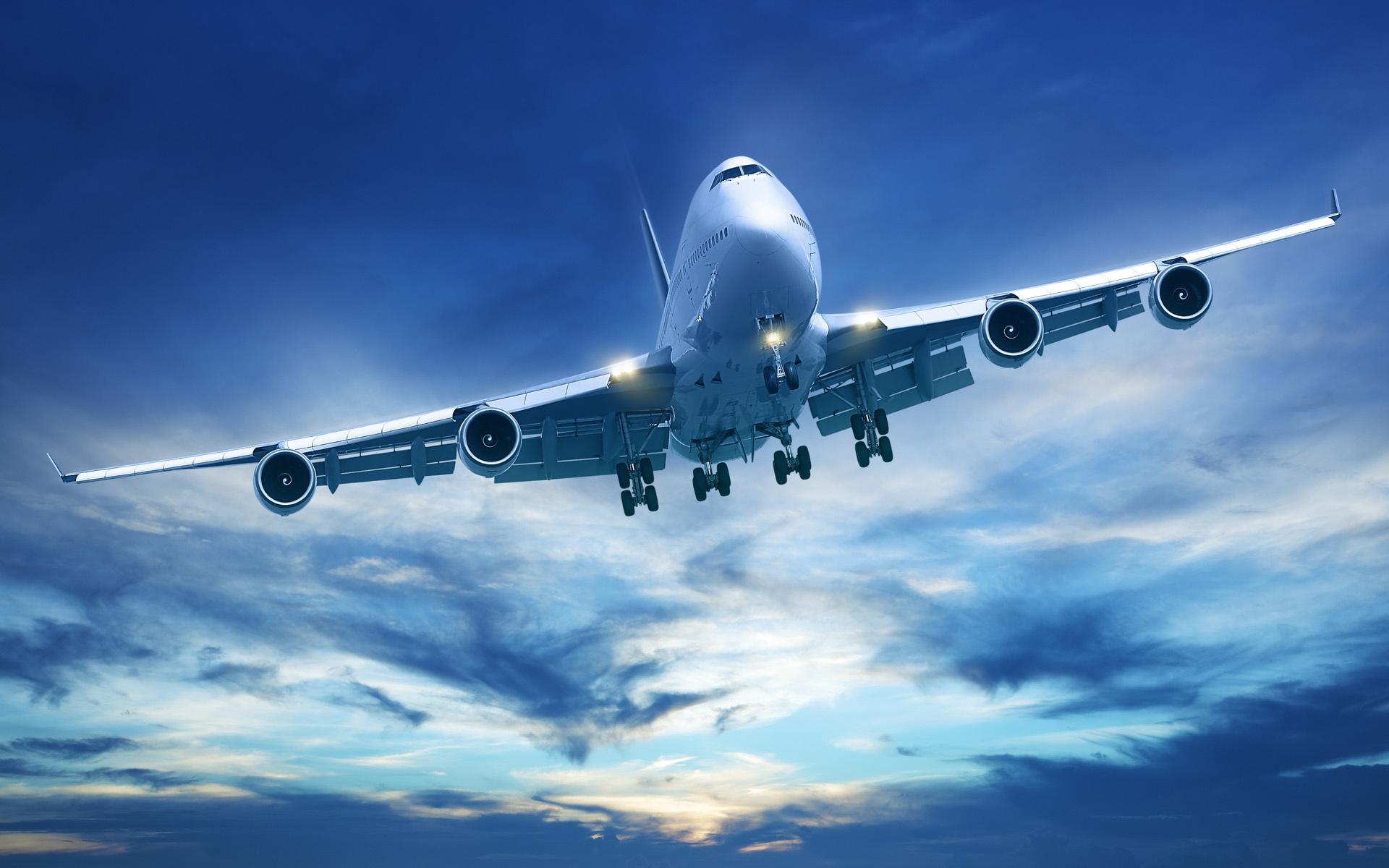 Avión-nubes-Boeing-747-Boeing