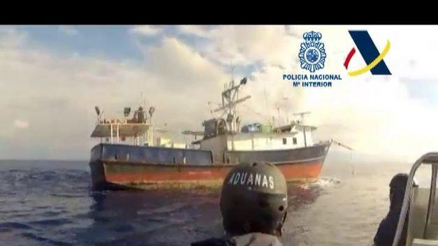 traslada-Vigo-barco-intervenido-cocaina_TINVID20130612_0021_3