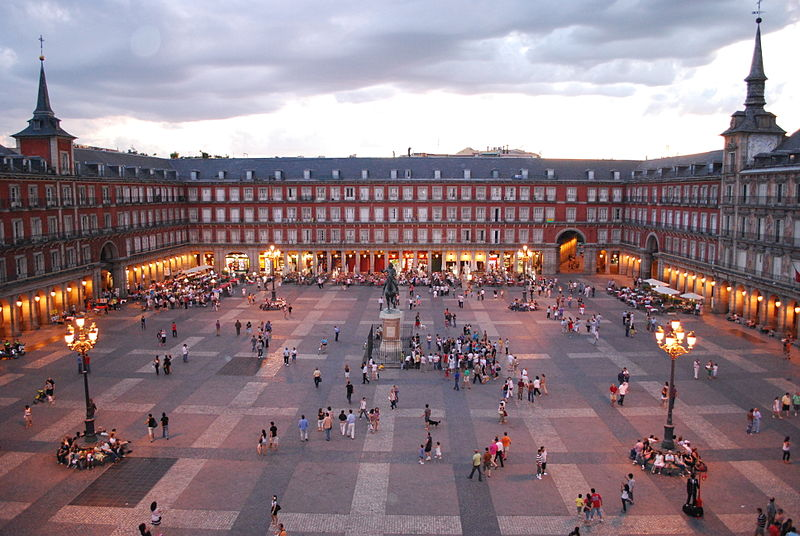 800px-Plaza_Mayor_de_Madrid_06