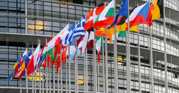 Flags-in-front-of-the-European-parliament-headquarters-in-Strasbourg-c-European-Union-2013-583x304