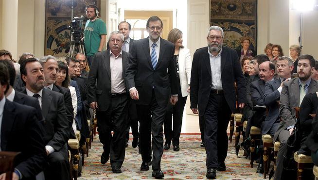 Rajoy-patronal-empresarios-sindicatos-empleo_MDSIMA20130312_0319_4