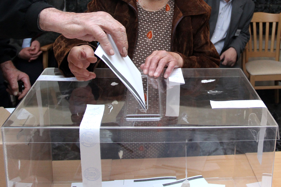 избори_ урна_1r_cr