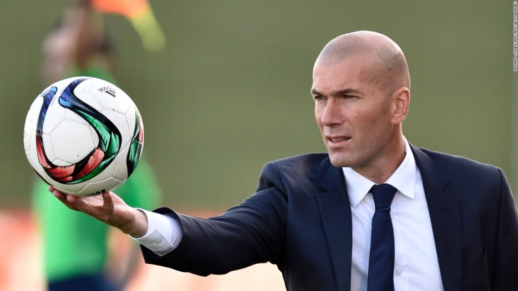 160104152455-zinedine-zidane-real-madrid-rafael-benitez-sacked-super-169